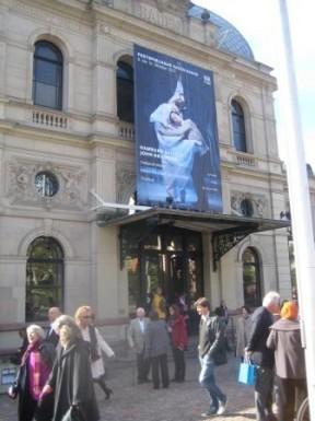 """Artikelbild zum Artikel """"Besuch der Ballett-Werkstatt: John Neumeier im Festspielhaus Baden-Baden am Sonntag, 09.10.2011"""""""