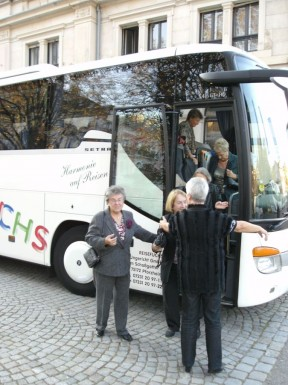 """Artikelbild zum Artikel """"Besuch im Festspielhaus Baden-Baden bei John Neumeiers Deutung des """"Orpheus"""" am Sonntag, 16.10.2011"""""""